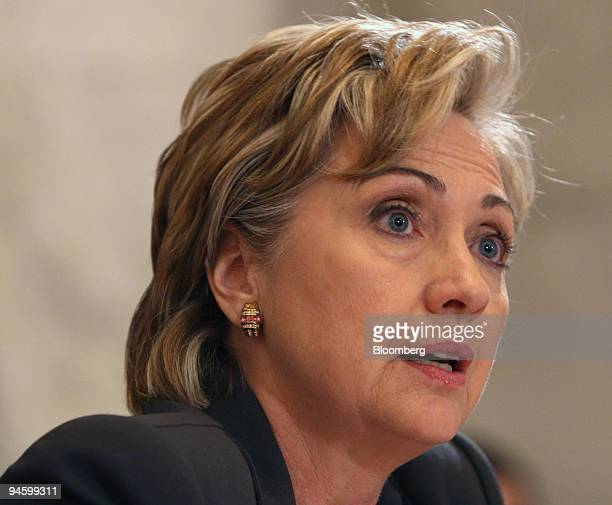 Senator Hillary Clinton of New York questions Army Lieutenant General David Petraeus during a confirmation hearing on Petraeus' nomination to be new...