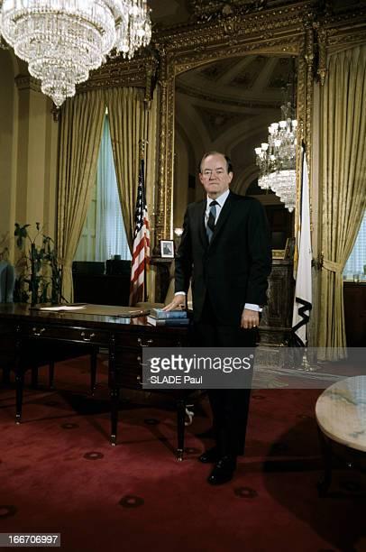 Senator Hubert Horatio Humphrey Candidate For The 1968 Presidential Election Aux EtatsUnis le sénateur Hubert Horatio HUMPHREY en costume cravate...