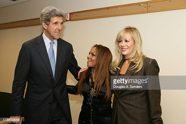 """Senator John Kerry, Lil' Kim and Daphna Ziman during """"Children Uniting Nations Second Annual National Conference"""" at Woodrow Wilson International..."""