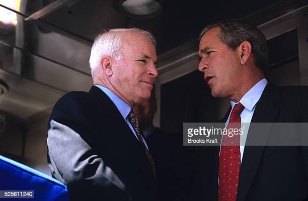 Senator John McCain campaigns for George Bush in Portland Oregon during the 2000 presidential campaign