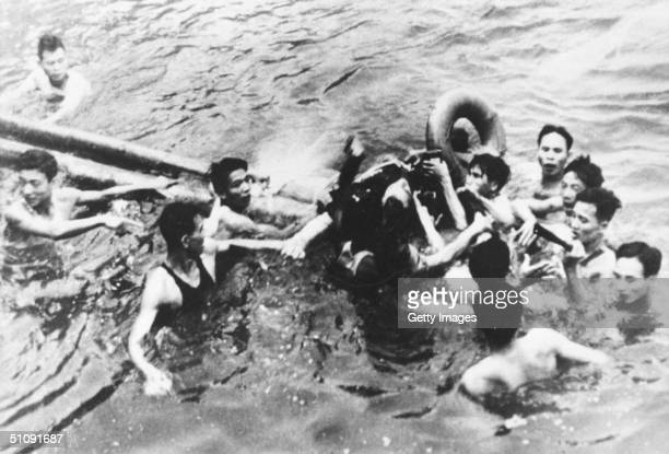 Senator John Mccain Is Pulled Out Of A Hanoi Lake By North Vietnamese Army Soldiers And Civilians October 26 1967 In Hanoi North Vietnam Mccain's A4E...