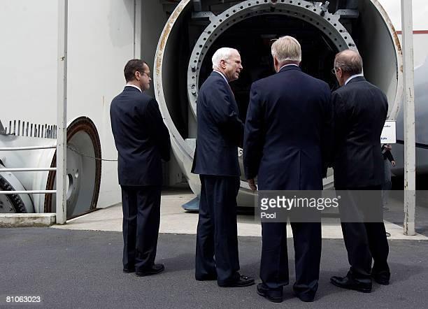 S Senator John McCain tours the Vestas Wind Energy Training Facility a wind tubine company May 12 2008 in Portland Oregon McCain used the stop to...