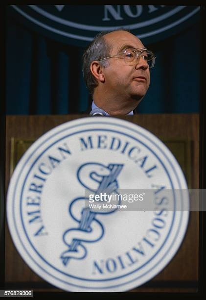 Senator Phil Gramm speaks at a meeting of the American Medical Association