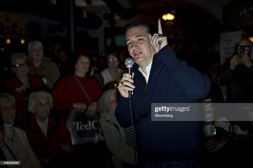 Senator Ted Cruz, a Republican from Texas and 2016 presidential candidate, speaks during a campaign stop at the Village Trestle in Goffstown, New Hampshire, U.S., on Wednesday, Feb. 3, 2016. Republican presidential candidate Donald Trump on Wednesday said Cruz 'stole' first place in the Iowa caucuses and called for 'a new election' or nullification of Cruz's win. Photographer: Andrew Harrer/Bloomberg via Getty Images