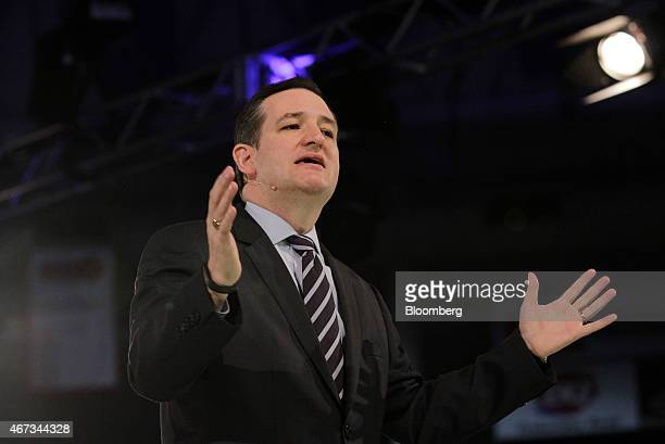 US Senator Ted Cruz a Republican from Texas marks the start of his presidential campaign by giving the convocation address at Liberty University in...