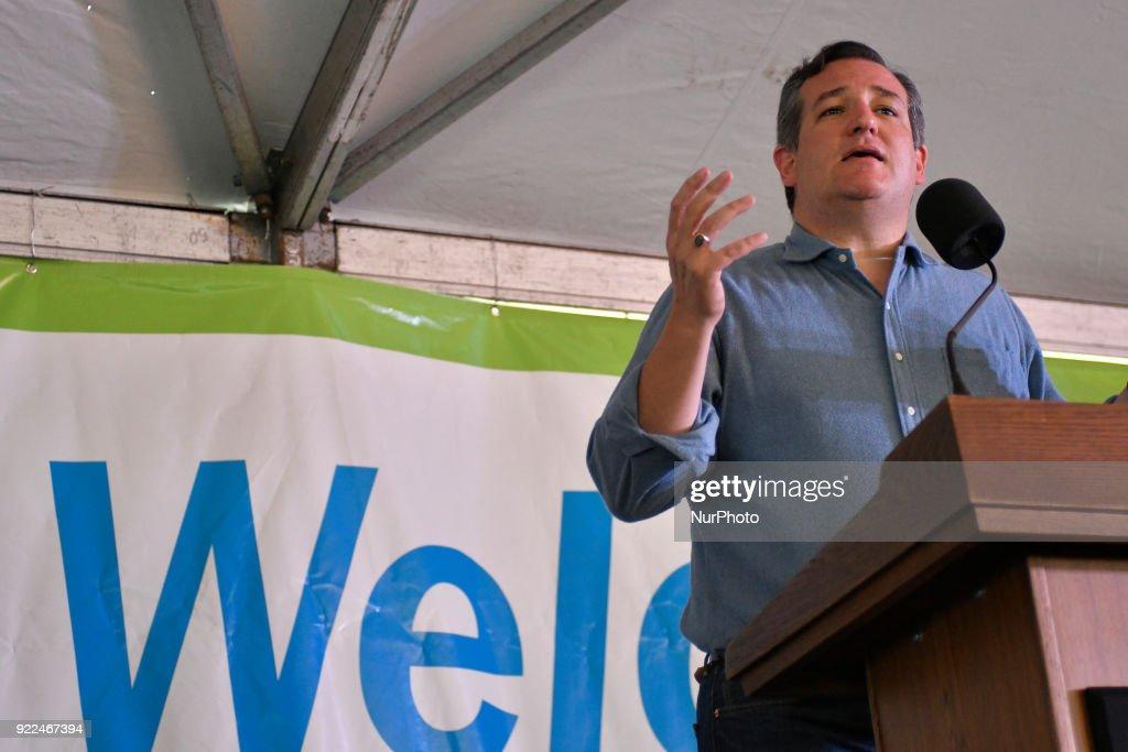 Senator Ted Cruz Renewable Fuel Standard Change Rally in Philadelphia : News Photo
