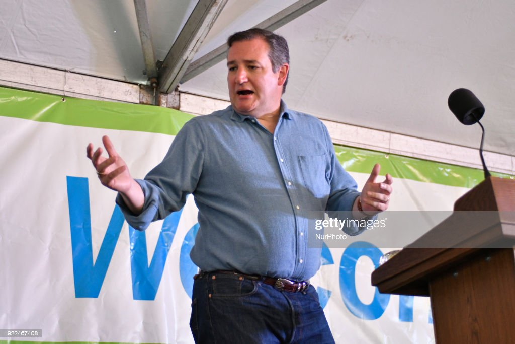 Senator Ted Cruz Renewable Fuel Standard Change Rally in Philadelphia : News Photo