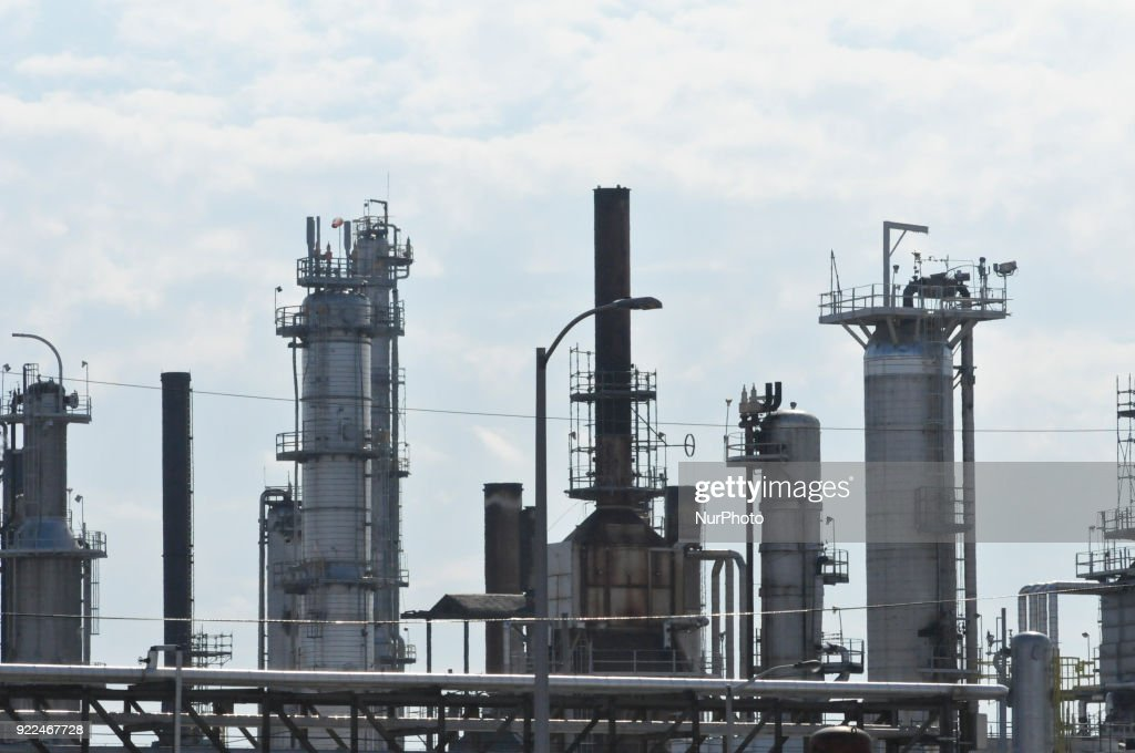 Senator Ted Cruz (R-TX) rallies for a change in the renewable fuel standard during a visit of the bankrupt refinery of Philadelphia Energy Solutions, in South Philadelphia, PA, on February 21, 2018.