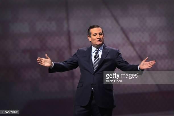 S Senator Ted Cruz speaks at the NRAILA's Leadership Forum at the 146th NRA Annual Meetings Exhibits on April 28 2017 in Atlanta Georgia The...
