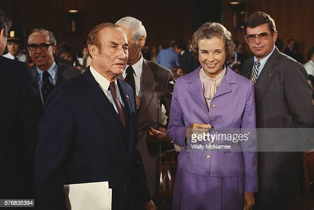 senator thurmond with supreme court justice o'connor - supreme court justice stock pictures, royalty-free photos & images