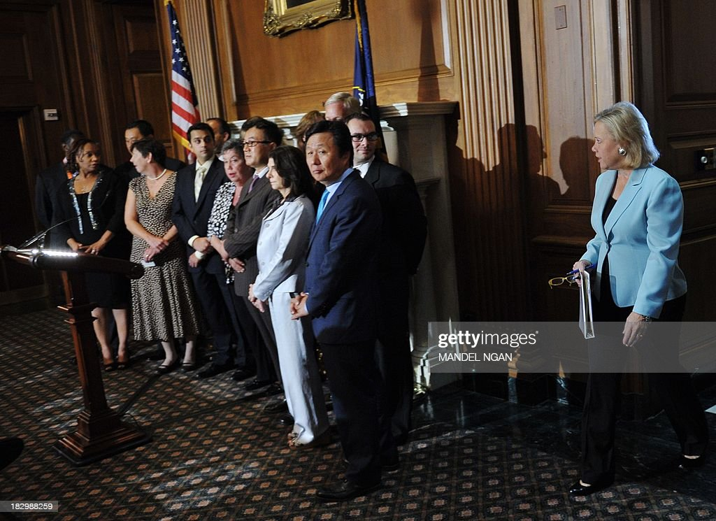 US Senators Mary L. Landrieu (R), D-LA, arrives for a press conference to highlight the impact of the government shutdown on small bussinesses on October 3, 2013 in the Mansfield Room of the US Capitol in Washington, DC. AFP PHOTO/Mandel NGAN