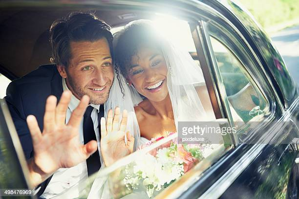 sending them off - newlywed stock pictures, royalty-free photos & images
