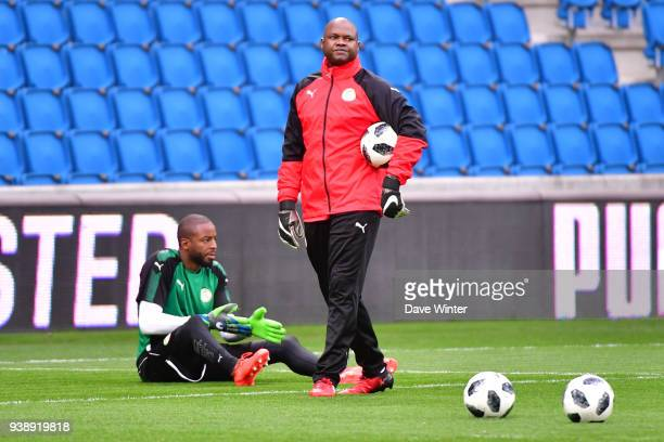 Senegal goalkeeping coach Tony Sylva and Abdoulaye Diallo of Senegal before the international friendly match match between Senegal and Bosnia...