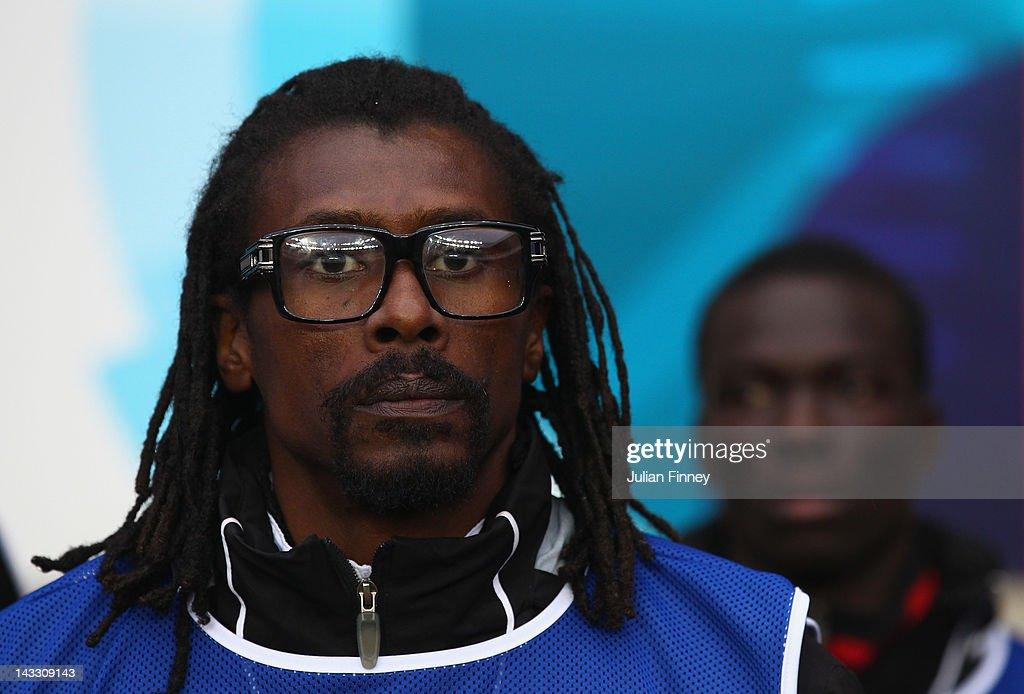 Senegal v Oman - London 2012 Olympic Qualifier : ニュース写真