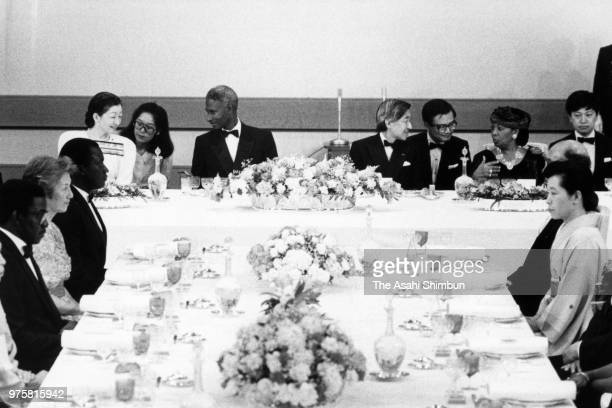 Senegalese President Abdou Diouf and his wife Elisabeth talk with Crown Prince Akihito and Crown Princess Michiko during their meeting at the...