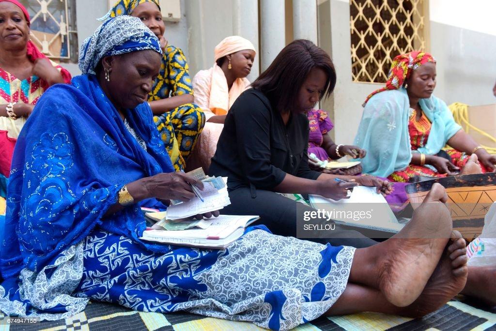 DOUNIAMAG-SENEGAL-LOANS-WOMEN-PERSONAL-FINANCE : News Photo