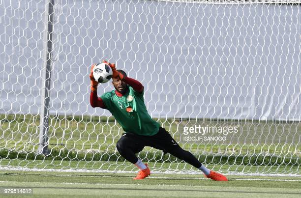 Senegal's goalkeeper Abdoulaye Diallo practices during a training session on June 20 2018 in Kaluga during the Russia 2018 World Cup football...