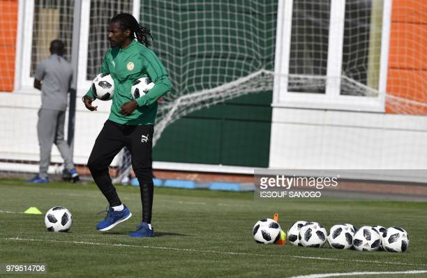 Senegal's head coach Aliou Cisse take part in a training session on June 20 2018 in Kaluga during the Russia 2018 World Cup football tournament