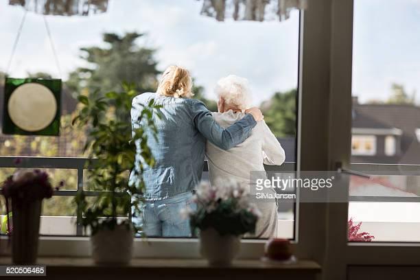 senior Erwachsenen zu Betreuung und Unterstützung