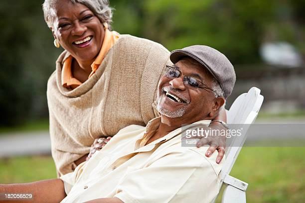Casal americano africano idoso