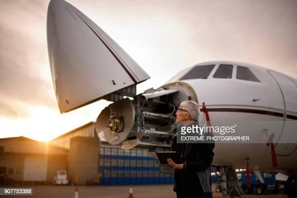 Senior aircraft mechanic