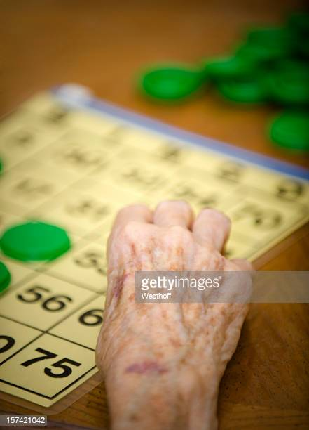 bingo senior - lentigo fotografías e imágenes de stock