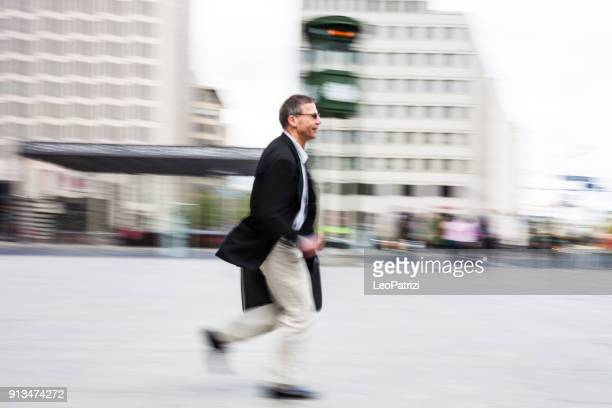 Senior Geschäftsführer in Berlin Bankenviertel pendeln zu arbeiten