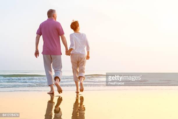 couple Senior à la plage