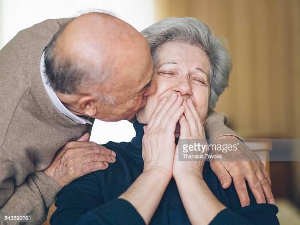 senior couple having fun - love emotion photos et images de collection