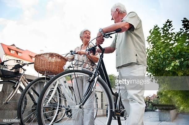 Senior Paar in der Stadt