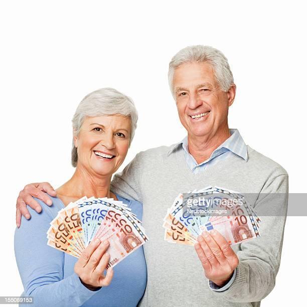 Altes Paar, die Geld-isoliert