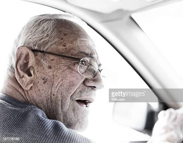 Senior Überprüfung der Fahrer