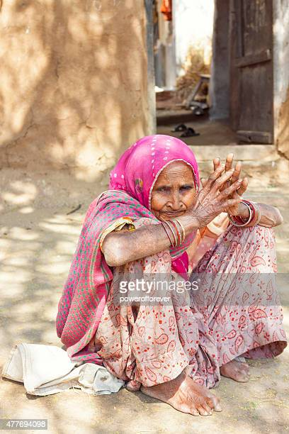 Senior donna indiana in Salapura Village, Rajasthan, India
