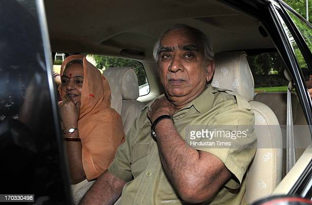 BJP senior leader Jaswant Singh arrives to meet LK Advani at his residence on June 11 2013 in New Delhi India Advani who was apparently miffed over...