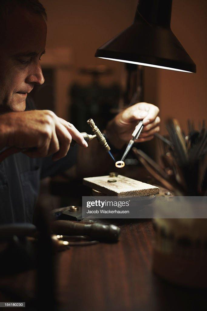 Senior man making a ring : Stock Photo