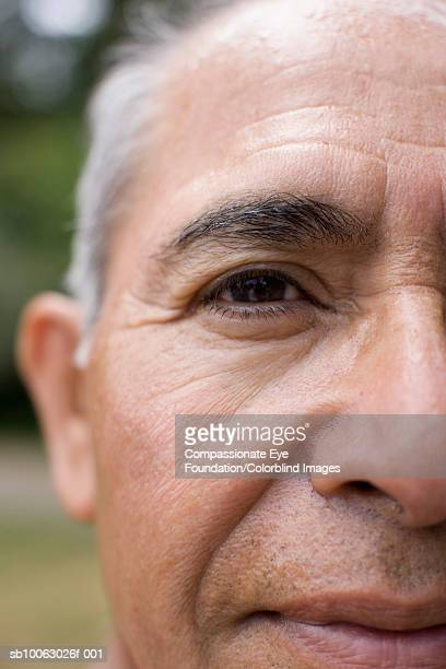 "senior man, portrait, close-up of face (cropped) - ""compassionate eye"" foto e immagini stock"