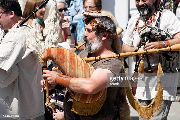 pipers Mayor en calle artistas folk de banda.