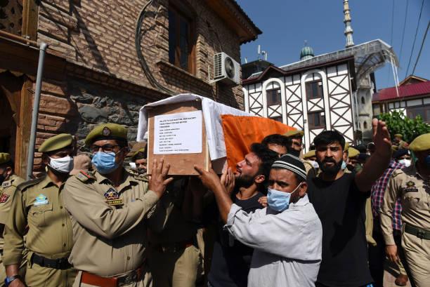 IND: Police Officer, 3 Terrorists Killed In Night-Long Gunfight In Srinagar