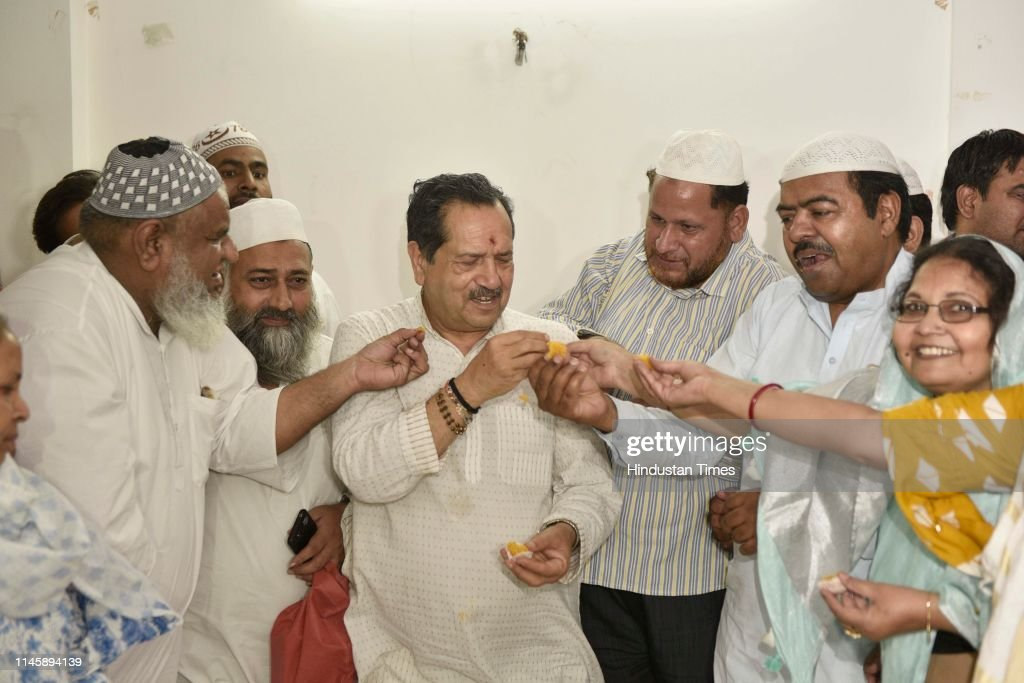 IND: RSS Leader Indresh Kumar Celebrates BJP Victory In Lok Sabha 2019 Elections