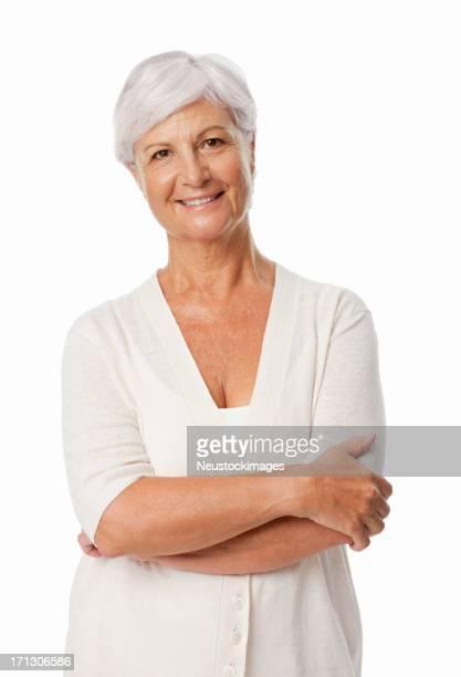 Senior sonriente con los brazos cruzados aislado