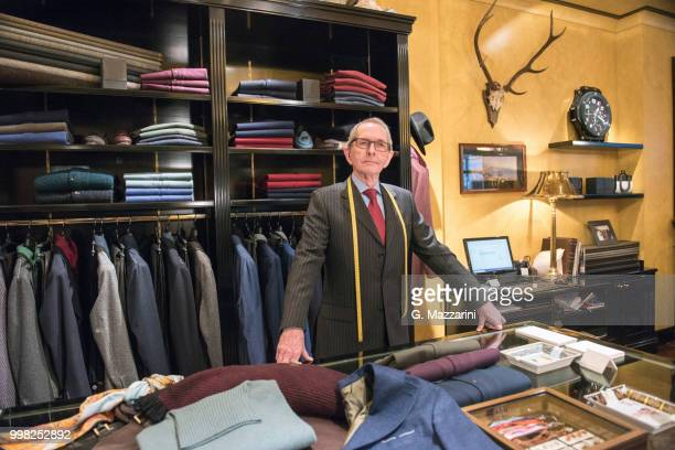 senior tailor in tailors shop, portrait - custom tailored suit stock pictures, royalty-free photos & images