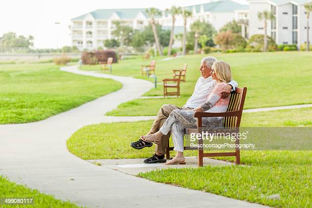 senior togetherness - retirement community stock pictures, royalty-free photos & images