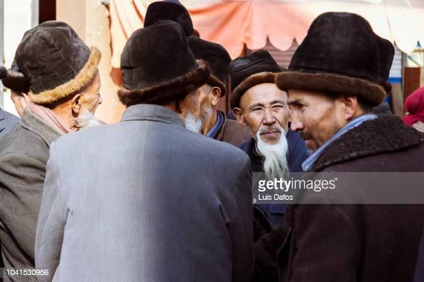 senior uyghur men - only men stockfoto's en -beelden