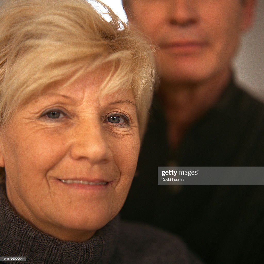 Senior woman in front of senior woman, close up, portrait. : Stockfoto