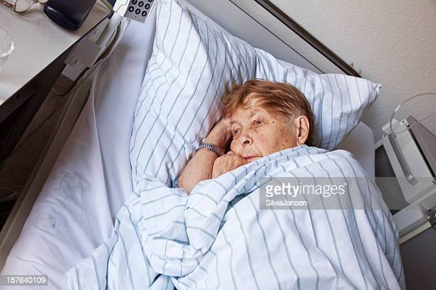 senior Frau im Krankenhaus