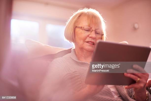 Senior vrouw online
