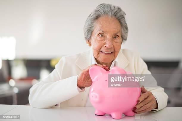Senior Frau speichern