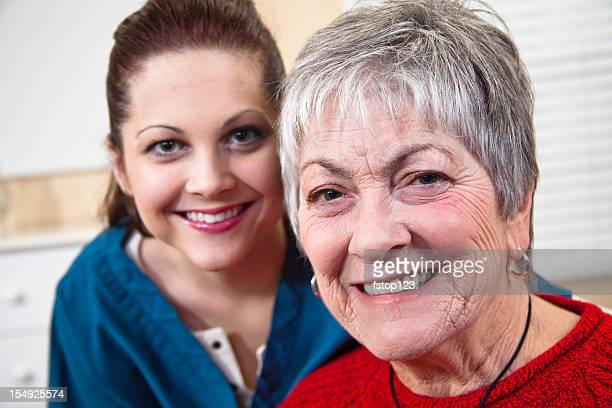 Senior Frau mit Arzt