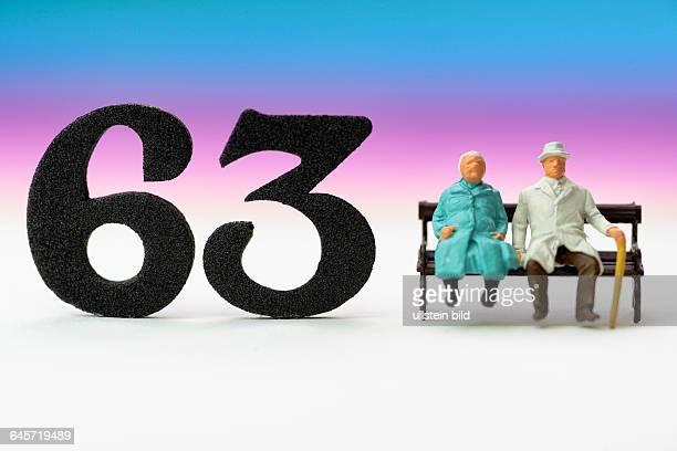Seniorenpaar und die Zahl 63 Symbolfoto Rente mit 63 Jahren