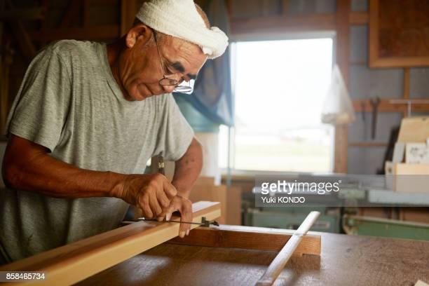 シニア世代 - 美術工芸 ストックフォトと画像